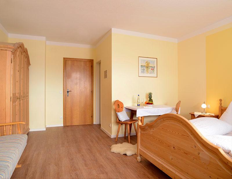 Chiemgau komfort zimmer hotel chiemseepanorama for Komfortzimmer doppelzimmer unterschied